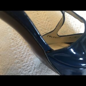 Stuart Weitzman Shoes - Stuart Weitzman patent leather shoes